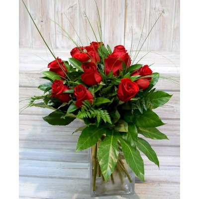 Bouquet en jarrón pequeño 16 rosas rojas