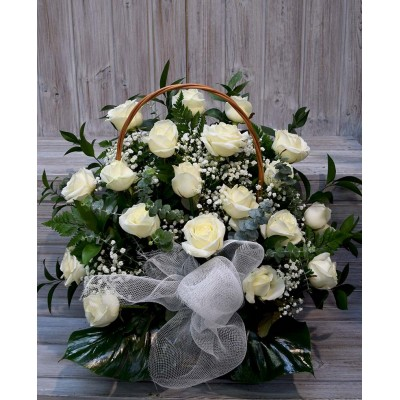 20 white roses face basket