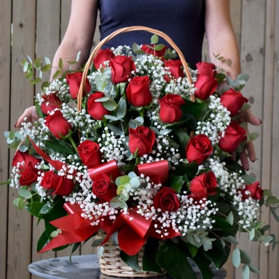 Face basket 20 red roses