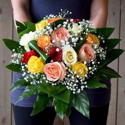 Bouquet de rosas variadas