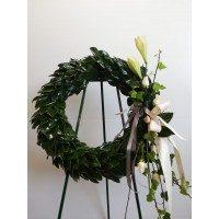 Corona de magnolia con detalle de flor