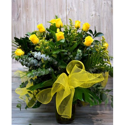 Vase with 15 yellow roses