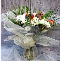 Ramo de flor variada blanca con piruleta