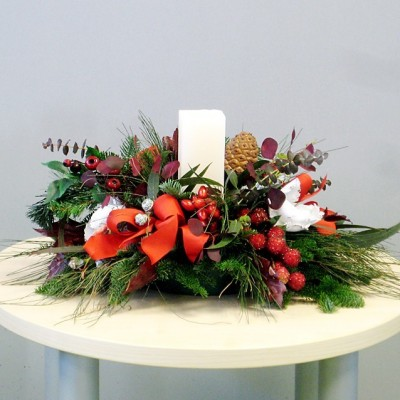 Christmas center natural flower with candle