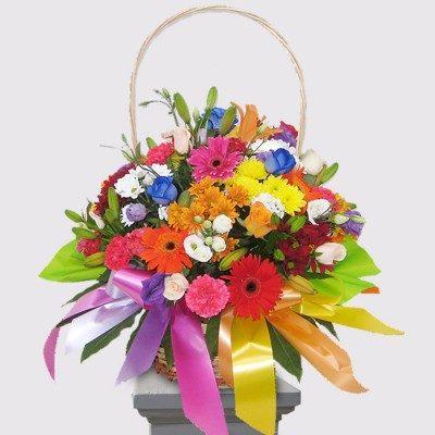 Spectacular spring basket