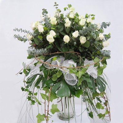 Comprar Jarrón impresionante rosas blancas Barcelona