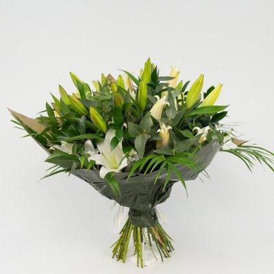 Bouquet of white lilium
