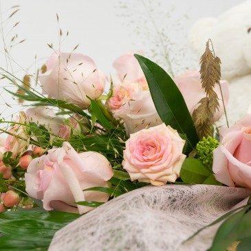 Comprar Caja sorpresa de rosas rosas Barcelona