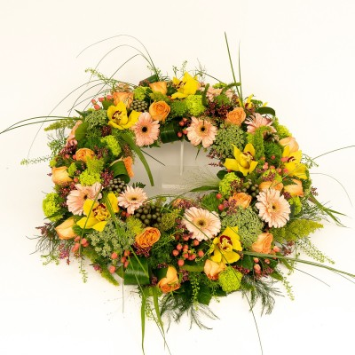 Deluxe wreath in salmon and...