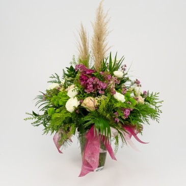 Deluxe Glass mixed flowers