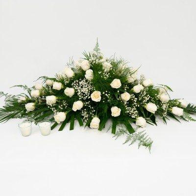 White roses cushion