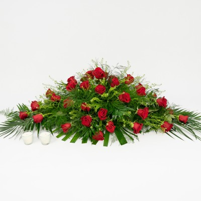 Cushion of red roses closed