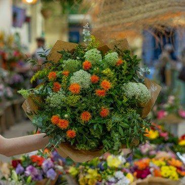 Comprar Ramo exótico de cartamus, hinojo y solidago Barcelona