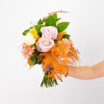 Comprar Ram de roses David Austin, chris uniflora i clavells Barcelona