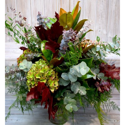 Bouquet of varied greens according to season